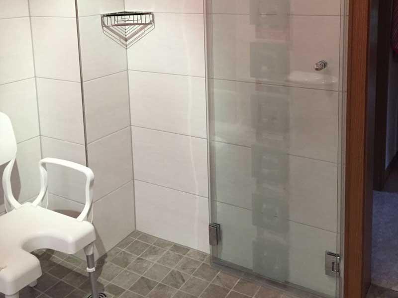Duschkabine mit Falttür
